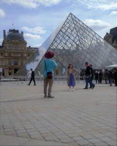 turisti al louvre