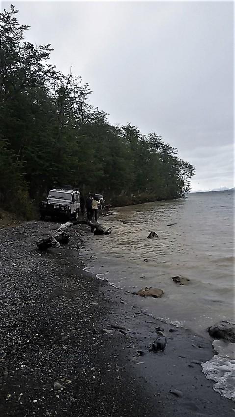 Sulle rive del lago Escondido